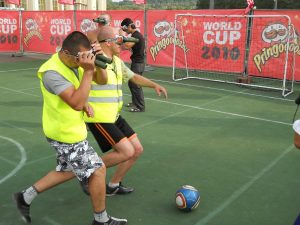 аттракцион - футбол в биноклях
