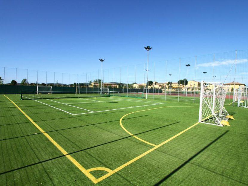 Футбольная площадка под ключ
