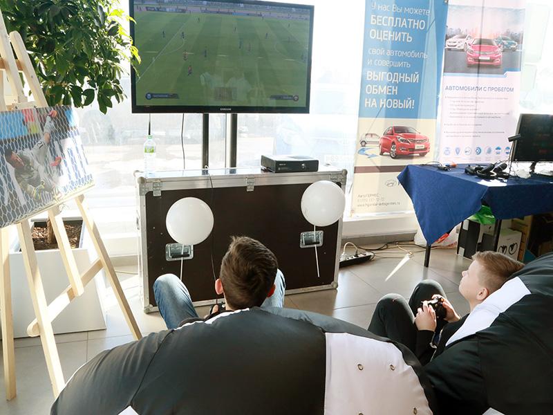 Игровая приставка FIFA18 - футбольные аттракционы